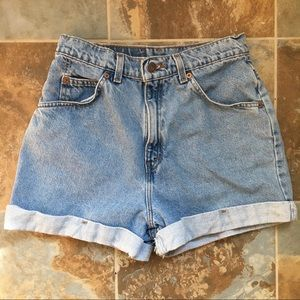 Vintage Levi's 954 High Waisted Mom Short